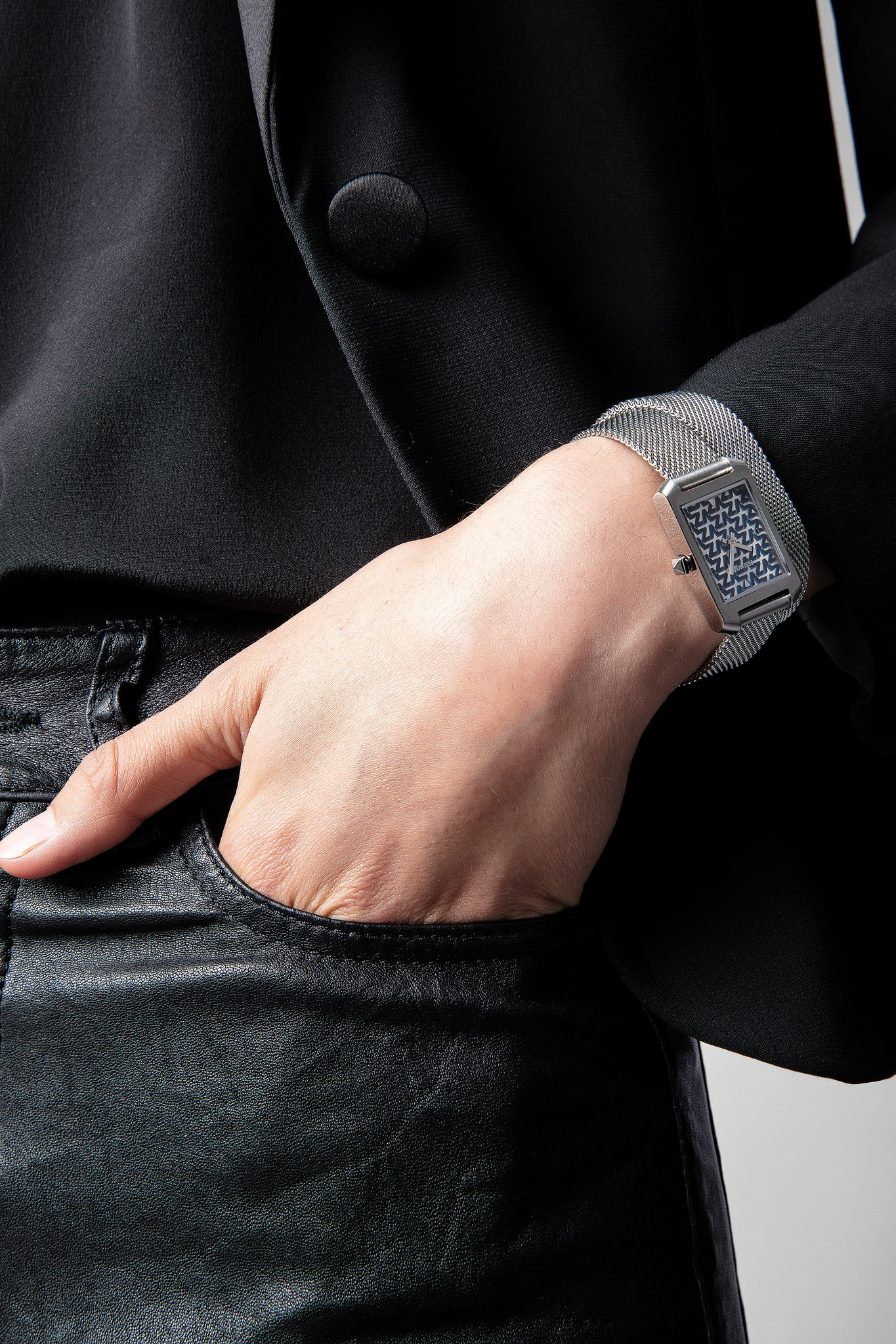 Timeline monogram ZV watch