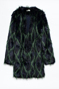 Mantel Louisy